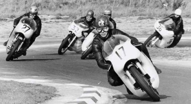 John Cooper leads Dave Croxford and Tim Kingham (#32). Tim's on a Manx Norton.